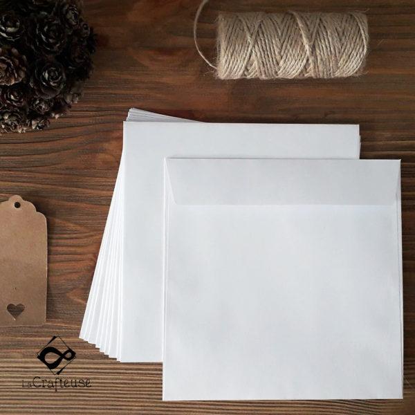 enveloppe carrée blanche